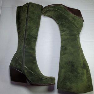 Aerosoles Green Suede Wedge boots, Sz 7